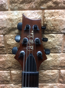 ギターのヘッド 4回目